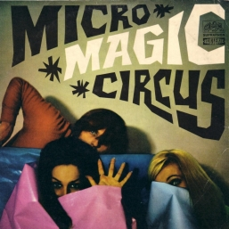 Helena Vondrackova: Micro magic circus lyrics